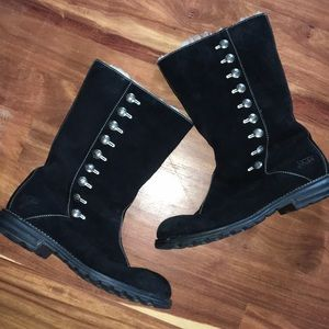 Like new Gorgeous rare Ugg boots size 10